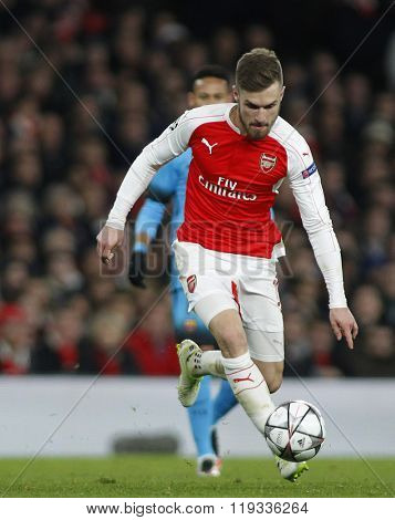 LONDON, ENGLAND - FEBRUARY 23: Aaron Ramsey of Arsenal during the Champions League match between Arsenal and Barcelona at The Emirates Stadium