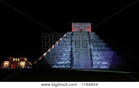 El Castillo Chichen Itza By Night