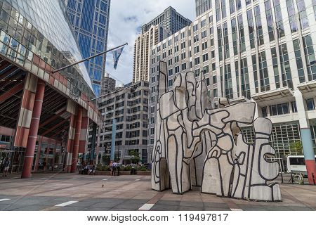 Chicago, Il/usa - Circa July 2015: Monument With Standing Beast Sculpture In Downtown Chicago,  Illi