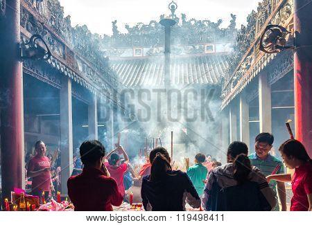 Hau Temple bustling Lunar New Year's Day