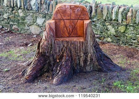 Sculpted Chair From A Tree Trunk