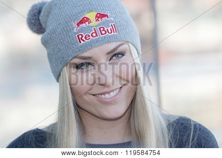 Smiling Lindsey Vonn At The Press Conference
