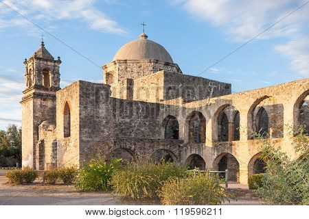 Convento And Arches Of Mission San Jose In San Antonio, Texas At  Sunset