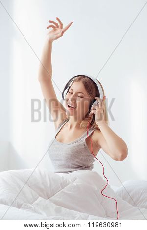Listening to the good music all day long