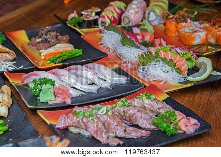 Sushi And Sashimi Set