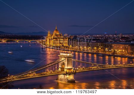 Chain bridge and Parliament building in Budapest, Hungary