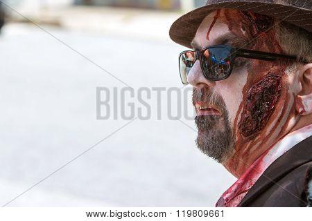 Man Wearing Elaborate Zombie Makeup Awaits Atlanta Pub Crawl Event