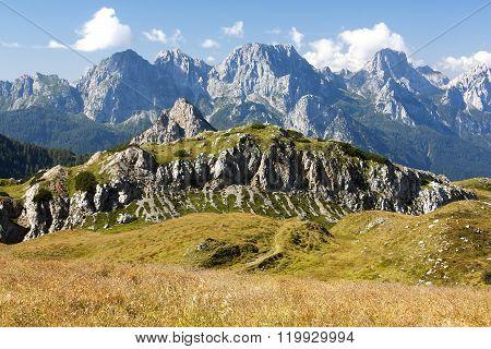 Karnische Alpen Or Alpi Carniche To Alpi Dolomiti
