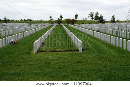 Graves at the Abraham Lincoln National Cemetery