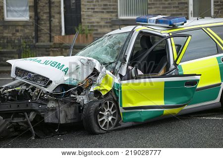 Volvo V40 Ambulance Wrecked In Collision While On Emergency Call