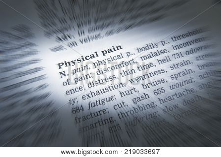 Cleckheaton, West Yorkshire, Uk: Thesaurus Page Showing Definition Of Word Physical Pain, 30th March