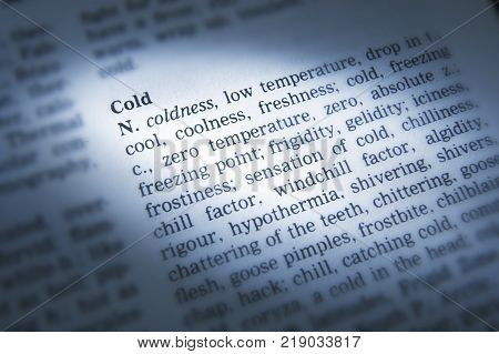 Cleckheaton, West Yorkshire, Uk: Thesaurus Page Showing Definition Of Word Cold, 30th March 2005, Cl