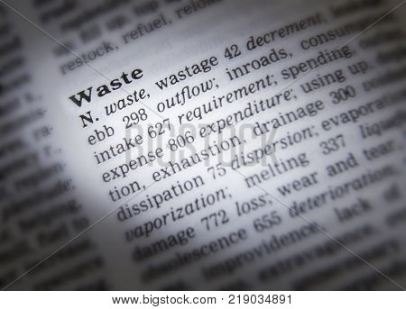 CLECKHEATON, WEST YORKSHIRE, UK: THESAURUS PAGE SHOWING DEFINITION OF WORD WASTE, 30TH MARCH 2005, CLECKHEATON, WEST YORKSHIRE, UK