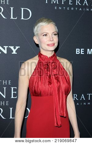 LOS ANGELES - DEC 18:  Michelle Williams at the