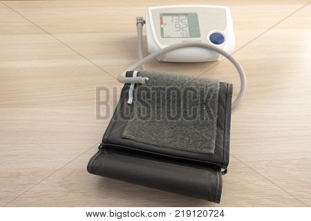 Electronic device for monitoring and measuring blood pressure and pulse.