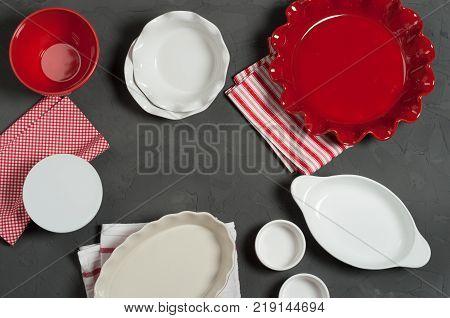 Ceramic Bakeware, Ovenware. Bakery Kit. Ruffled Pie Dish