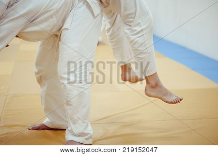 feet on the Mat workout in the gym