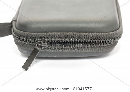 close up of zipper of the protection bag