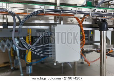 Electrical junction box with cable grand connection
