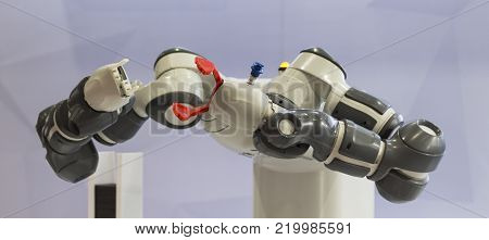 Robotic arms for pick and place automation;process of picking parts up and placing them in new location