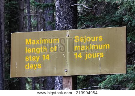 Maximum length of stay 14 days sign for camping