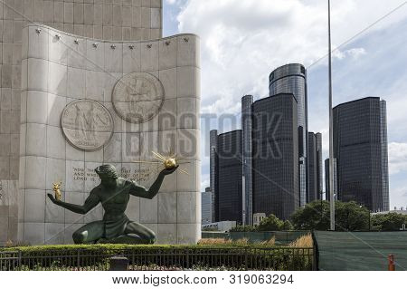 Detroit, Usa - August 17, 2019: The Spirit Of Detroit Monument By Artist Marshall Fredericks With Gm