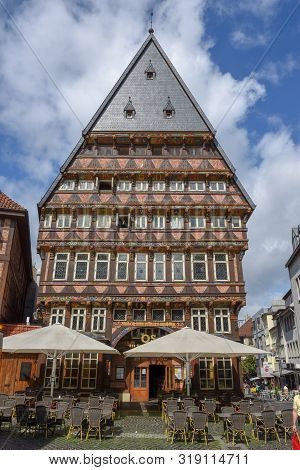 Hildesheim, Germany - 1 July 2019: Historical Market Square In Hildesheim On Germany