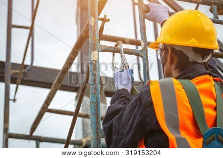 [safety Body Construction] Working At Height Equipment. Fall Arrestor Device For Worker With Hooks F