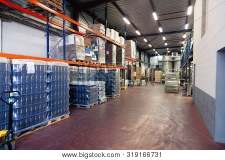 France Beaune 2019-06-20 Wine Factory, Production Room, Warehouse, Shelving, Shelves With Boxes, Emp