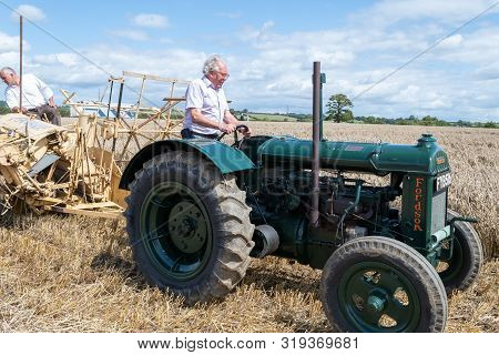 Haselbury Plucknett.somerset.united Kingdom.august 18th 2019.an Albion Driven By A Restored Vintage
