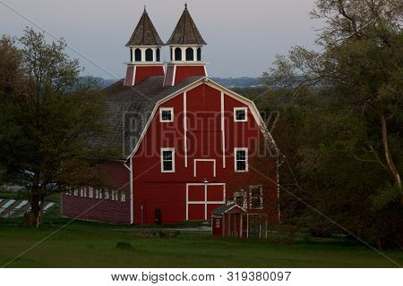 Grand Daddy Of All Barns In The Midwest