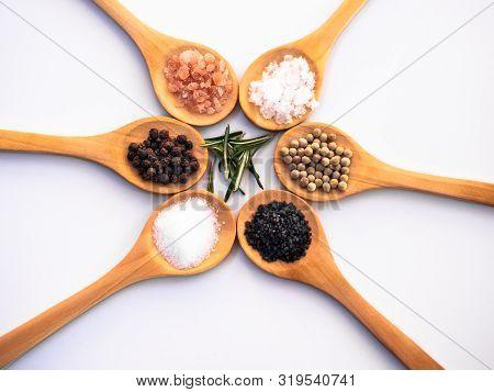 Wooden Spoons With Himalayan Salt, Black Hawaii Salt, Common Salt, Salt Flakes, Peppercorns And Rose