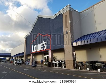 Honolulu - August 9, 2016: Lowes Store And Sign.  Lowes Companies, Inc. Is An American Company That