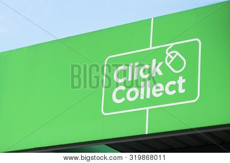 Click Collect Online Shopping Quick Easy Green Sign