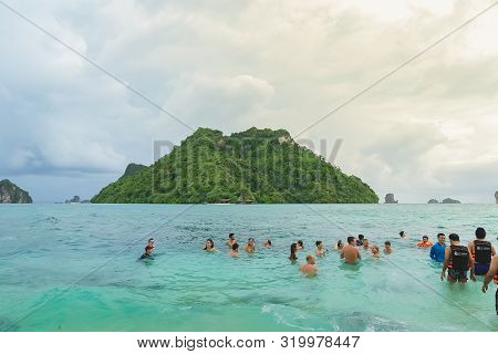 Ao Nanag , Thailnad-aug 16, 2019: Ao Nana Island Traveler Playing Sea Ocean At Krabi Province.