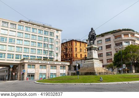 Perugia,italy May 01 2021:largo Cacciatori Delle Alpi With Monument To Garibaldi In Perugia