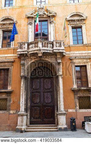 Perugia,italy May 01 2021:palazzo Donini Course Pietro Vannucci In The Center Of Perugia
