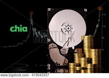 Cryptocurrency Chia And Hard Disk Server For Mining . New Crypto Currency Chiacoin Virtual Money Con