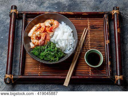 Shirataki Noodles, Shrimps And Seaweed Chuka Bowl. Healthy Low Carbs, Low Calories Lanch