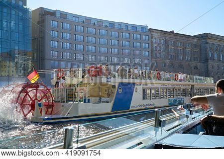 Berlin, Germany - May 31, 2020: Excursion Boats On The River Spree During The Trip Through Berlin