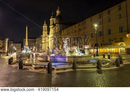 Rome, Italy - Circa August 2020: Piazza Navona (navona's Square) With The Famous Bernini Fountain By
