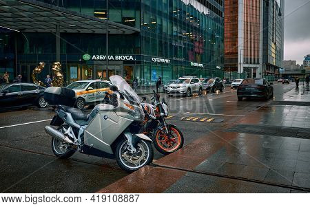 Moscow, Russia - April 21, 2021: Everyday Life In The City, Motorcycles In The Parking Lot Next To T