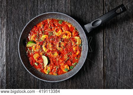 Prawn Karahi - Pakistani Tomato Shrimp Curry With Lime Juice Red Chili And Red Curry Paste Served On