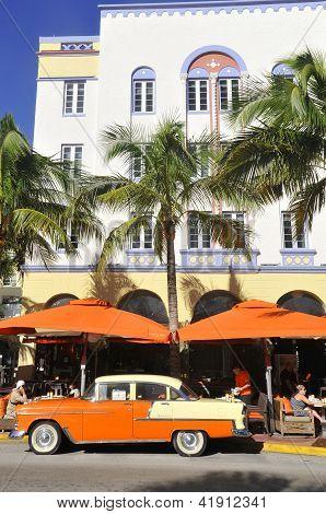 Art Deco architecture in South Beach