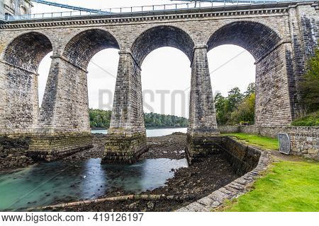 Arches Of The Menai Bridge Between Snowdonia And Anglesey, Landscape.
