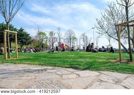 Kadikoy, Istanbul, Turkey - 04.29.2021: Low Angle Of Moda Public Park Before Quarantine Times And Se