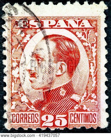 Spain - Circa 1902: Vintage Stamp Printed In In Spain 1902 Shows King Alfonso Xiii, Circa 1902