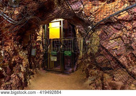 Tennant Creek, Australia - Aug 2019: Underground Mine Elevator Of Battery Hill Gold Mine. Old Museum