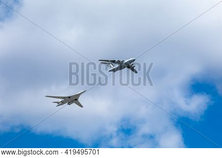 05 May 2021, Russia, Moscow. Rehearsal Of The Parade. Air Flight Over Tverskaya Street.refueller Il-