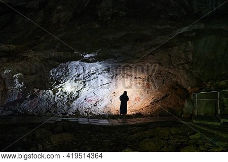 Rock Art Or Cave Paintings Are The Artistic Expressions Of Early Human Beings-pre-historic And Histo